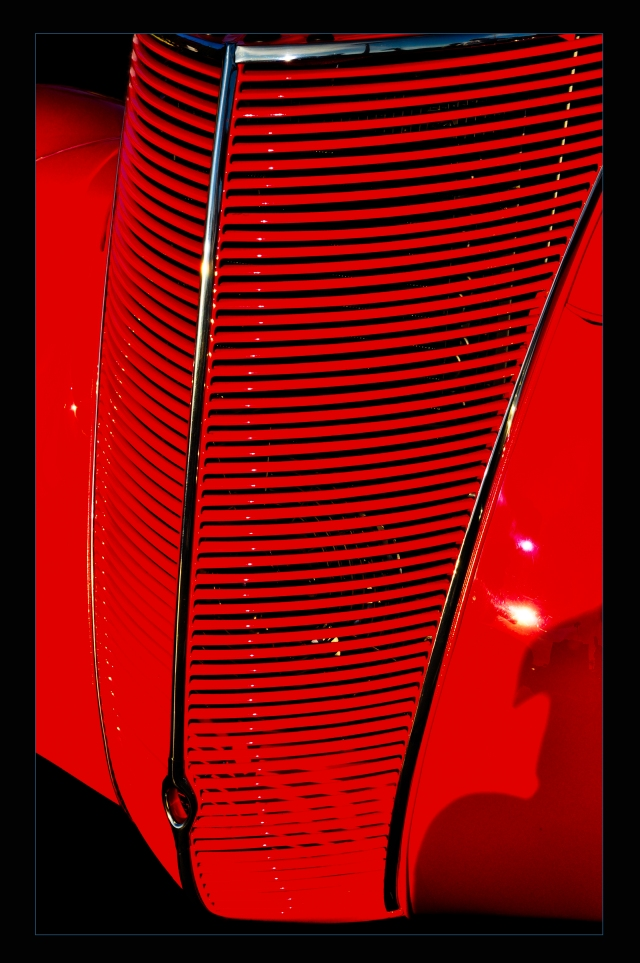 grille red